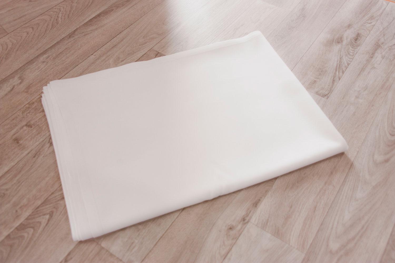 Estovalles llargues blanques (taula 1,80×0,80 m)